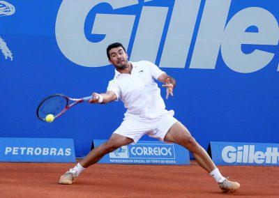 Iván brasil open jugando